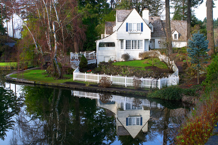 Homes for sale in lake oswego Lake front houses